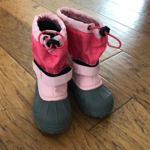 Columbia girls size 10 waterproof snow boots pink